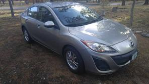 2011 Mazda 3 LOW MILES AWESOME GAS MILAGE